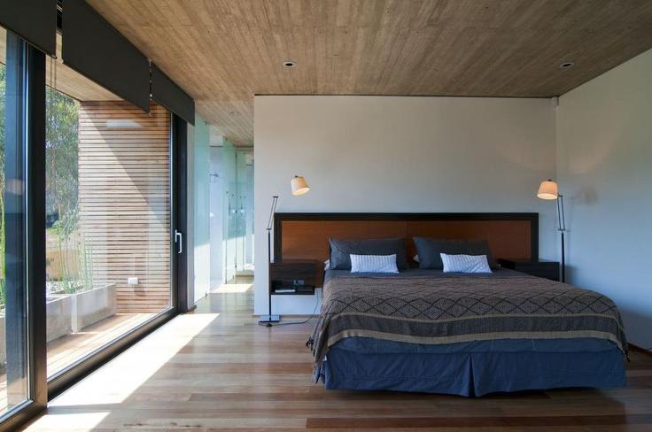 Diseñada por el arquitecto Mathias Klotz.     La propuesta de mobiliario Walmer, se basa en diseños modulares, que permiten construir tu sofá con el tamaño y forma que necesites.     Combinados con materiales nobles como fibra y madera, se crean ambientes acordes al espacio y estilo de las personas.