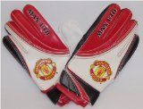 Official Football Merchandise Manchester United FC Goalkeeper Gloves - Kids Manchester United FC Goalkeeper Gloves - Kids Official Manchester United Football Club Merchandise (Barcode EAN = 0000810862829). (Barcode EAN = 5050997894804). http://www.comparestoreprices.co.uk/football-equipment/official-football-merchandise-manchester-united-fc-goalkeeper-gloves--kids.asp