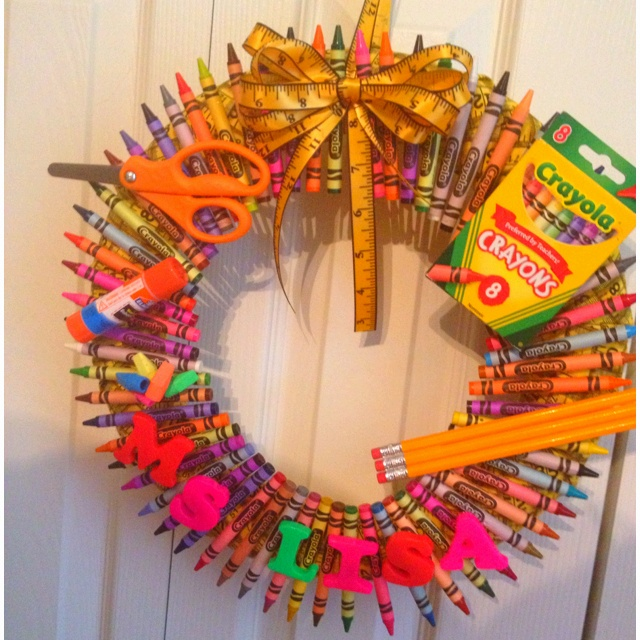 Crayon Wreath!!! Might have to try this for an end of the school year gift to each of my children's teachers for all their hard work and dedication!!