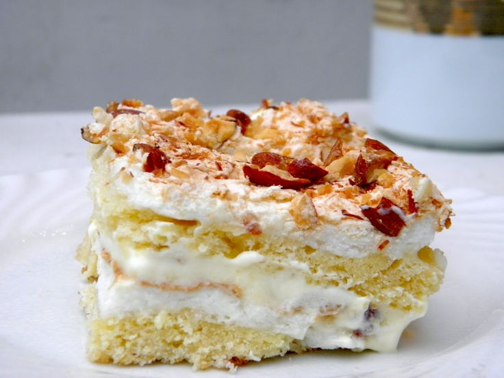 """Norwegian national cake  """"World's Best"""" - Kvæfjord cake ... The cake consists of a rich sponge cake bottom, meringue and almonds, filled with velvety vanilla cream should be more than satisfying to your palette. Enjoy!"""