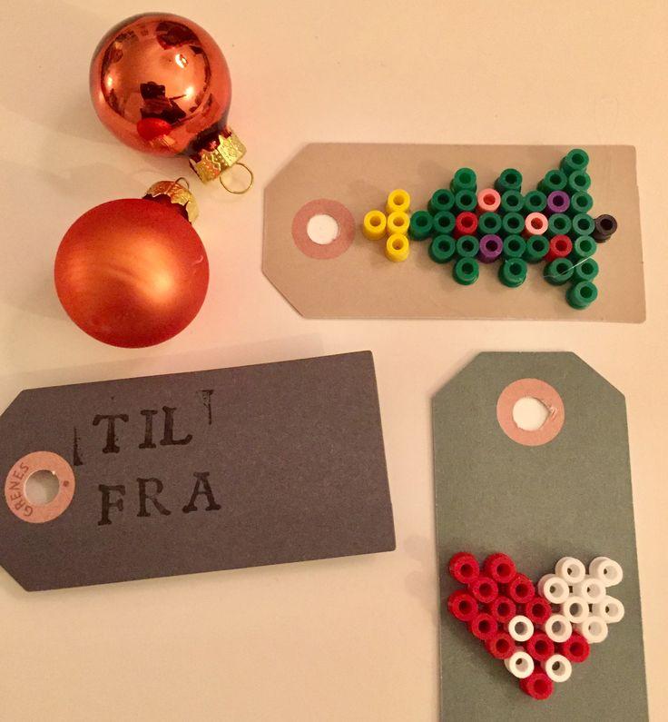 Til og fra kort dekoreret med hama perler