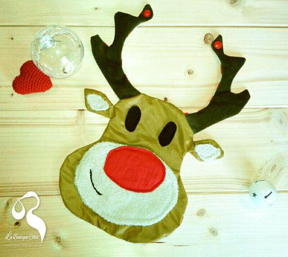 Bavoir de Noël Renne Rudolphe reversible -en forme de tête de renne au nez rouge