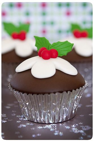 Cute Food For Kids?: 41 Cutest and Most Creative Christmas Cupcakes - Click image to find more Food & Drink Pinterest pins
