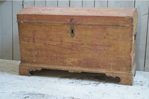 18th Century Domed Trunk   vinterior.co