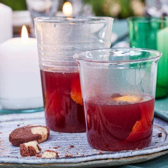 Rotwein-Punsch mit Orangensaft und Zimt