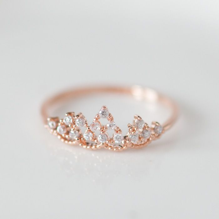 Delicate tiara ring in Pink gold! oh my gosh!!! so cute!:)