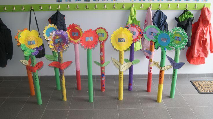 Deze grote bloemen met foto hebben wij gemaakt in onze opvang voor moederdag. Heel gemakkelijk en heel mooi!