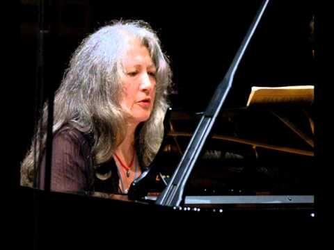 Robert Schumann, Koncert fortepianowy a-moll Op.54 - Martha Argerich & Alexandre Rabinovitch - YouTube