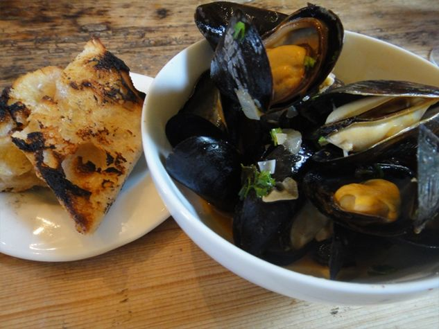 Mussels with White Wine and Garlic from Mom's Kitchen Handbook