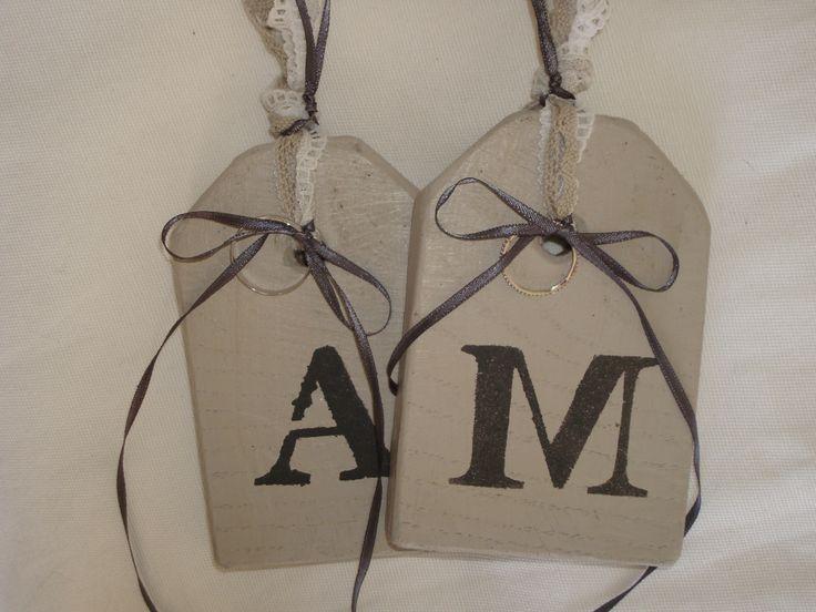 Coussin d'alliances très originale pour votre mariage vintage ou champêtre personnalisation initiales des époux ou Mrs & Ms : par plume-de-fee