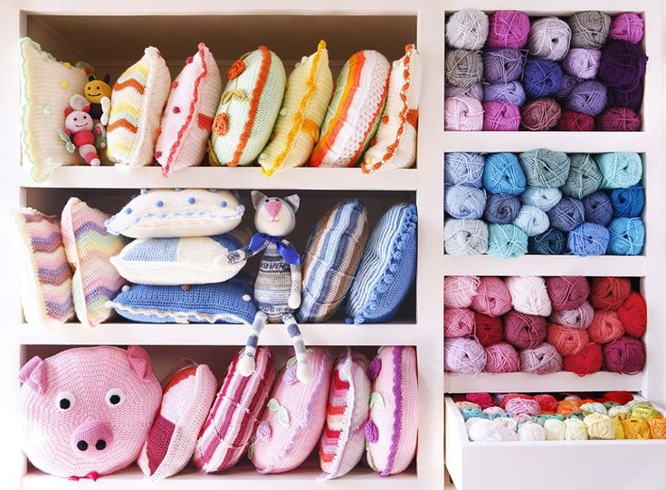 Yarn storage, crochet cushions | Cherry Frog 🐸