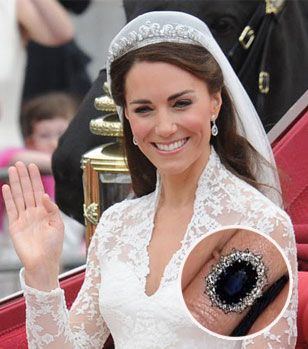 kate middletons world famous princess di engagement ring in sapphire - Princess Diana Wedding Ring