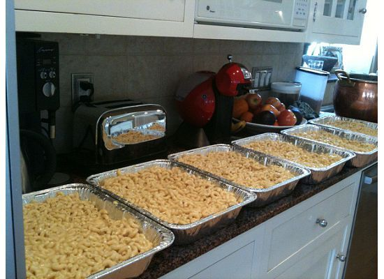 mac and cheese for 100 people