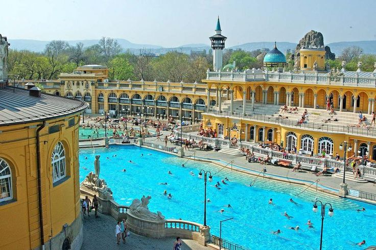 Spend a completely planned and relaxing day in Budapest with two of the best things to do combined in one package! Visit one of the two most elegant spas of the Hungarian capital then complete your day with a traditional Folklore performance with Tourboks!