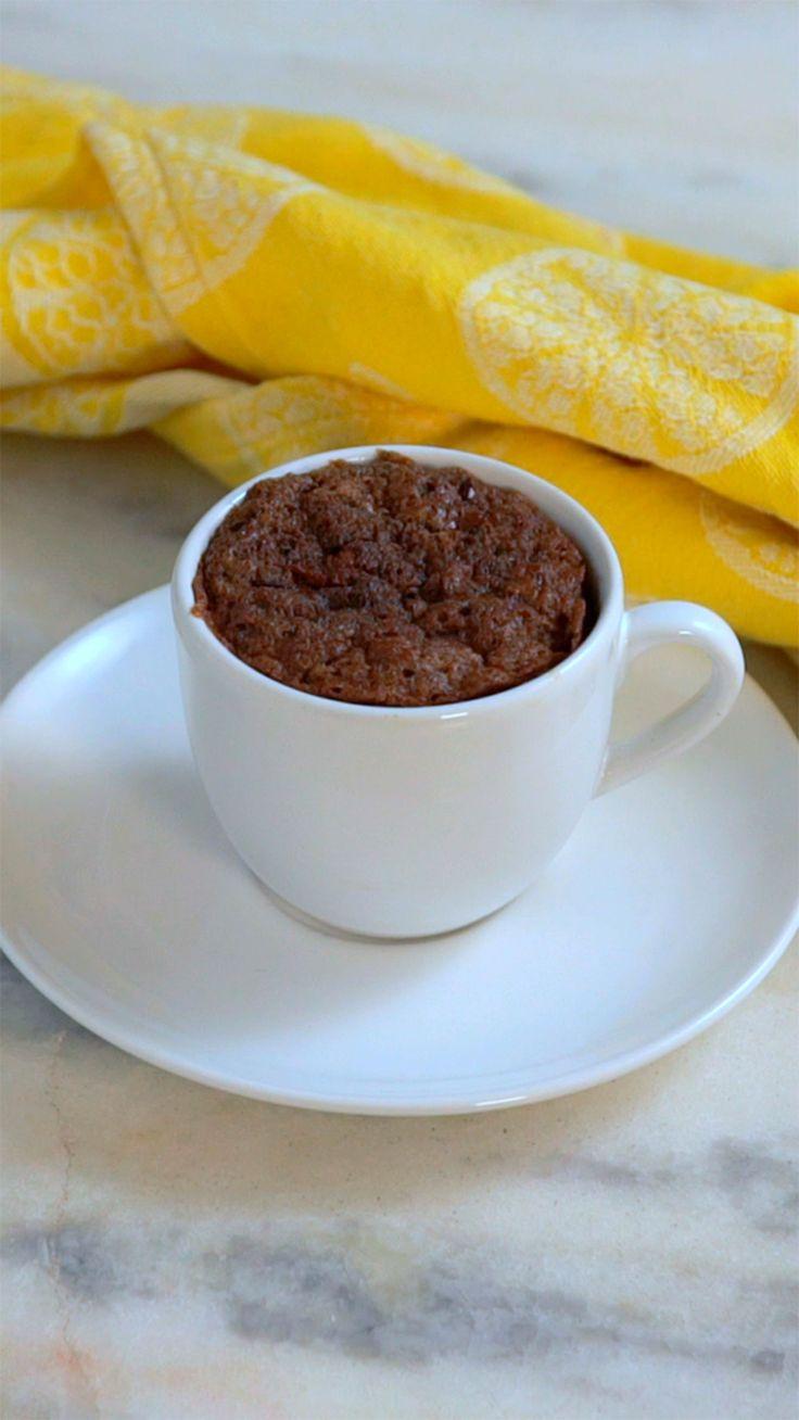 Com uma receita tão fácil  e gostosa quanto essa, dá pra fazer brownie na caneca sempre!