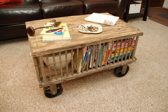 17 best images about vintage chicken coupe 39 s on pinterest for How to make a coffee table out of crates