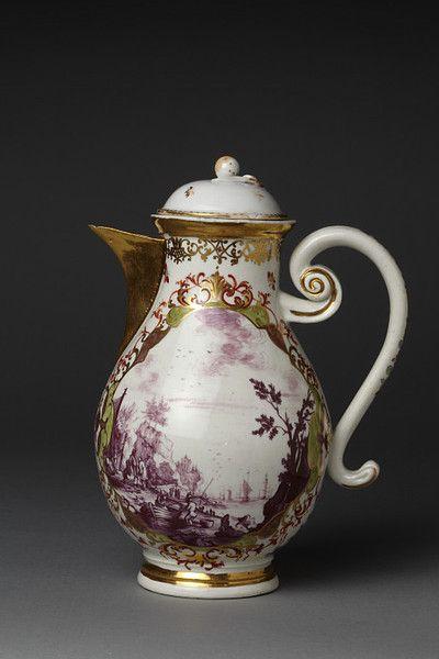 Coffee pot   Meissen porcelain factory   Meissen Germany 1730