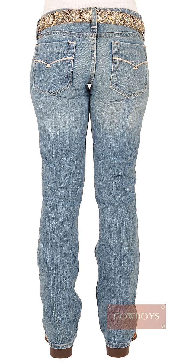 calça Feminina Jeans Claro Cruel Girl   calça jeans feminina importada da marca Cruel Girl. Possui cós baixo e corte reto nas pernas,com barra tradicional. Tecido 100% algodão sem lycra. calça ideal para mulheres que gostam do estilo Country. Pode ser utilizado durante o dia ou para sair a noite.