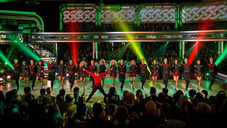 Strictly Pros dance to Danny Boy and Lord of the Dance - Strictly Come D...