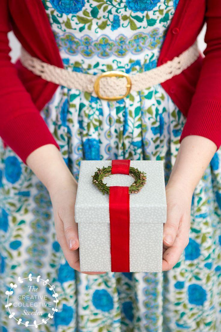Slå in julklappar och paket med återbruk och naturmaterial. Christmas gifts   wrap presents