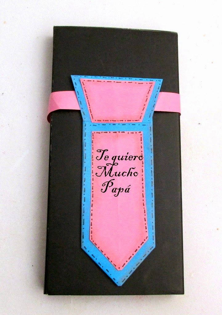 Paper tie for a cute gift ~Corbata de papel DIY