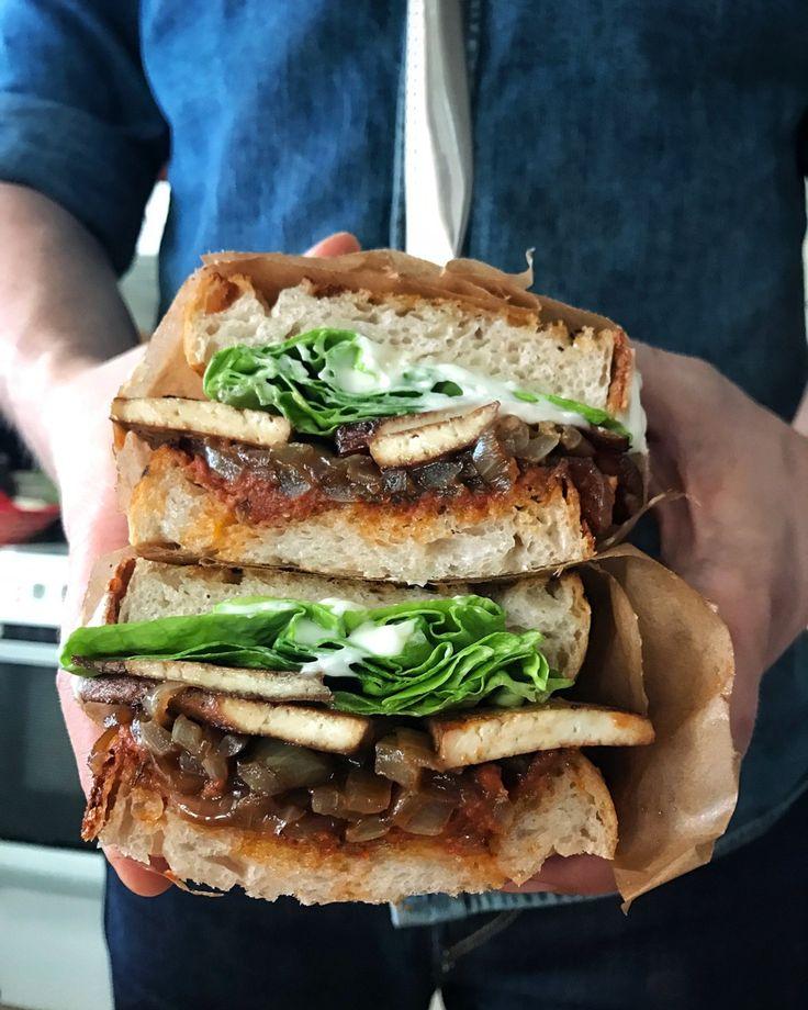 Vegansk BLT Sandwich, The Jävligt Gott Way   Jävligt gott - vegetarisk mat och vegetariska recept för alla, lagad enkelt och jävligt gott.