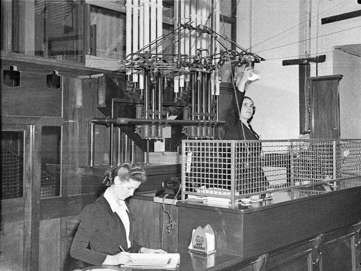 Cash desk at Grace Bros Broadway,in Sydney in 1930. •Sam Hood•