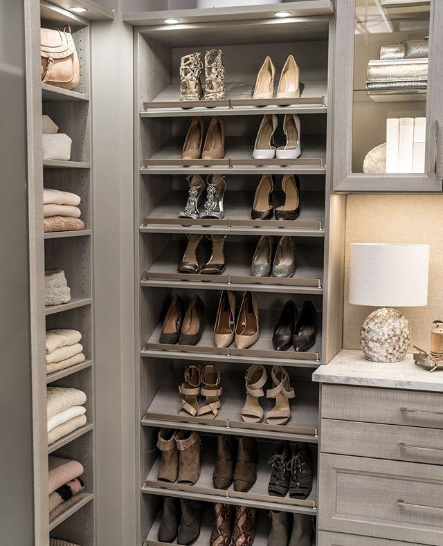 характеристика гардеробная с полками для обуви фото такие