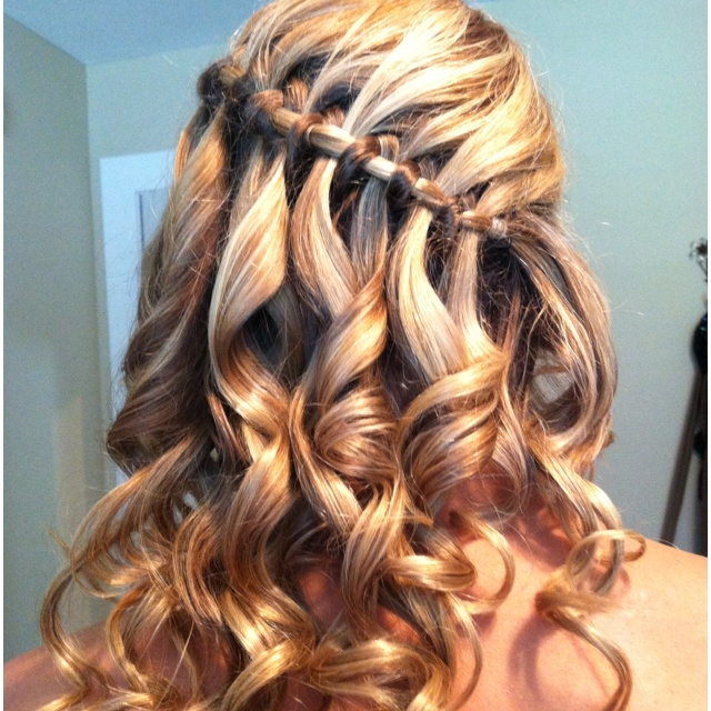Did Chelsea 39 S Hair For Prom Fashions Fade Style Is Eternal Pinterest Prom Prom Hair