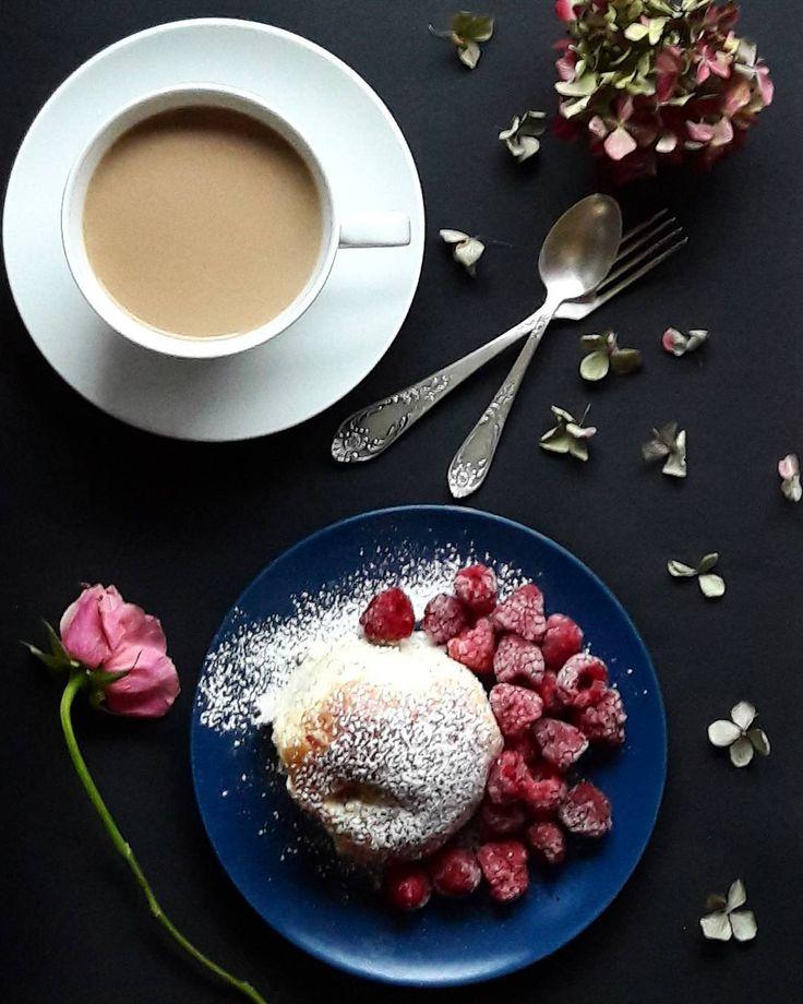 Thursday .... ___________________________ #bokertov#goodmorning#thursday#tv_living#tv_flowers#still_life_gallery#vscoflowers#aquietstyle#styleonmytable#stylingtheseasons#fouriadorefriday#vsco#vscophoto#flatlayforever#inspiredbypetals#creativehappenings#vscocoffee#vsco_daily#verilymoment#coffee#vscocoffee#livefullyalive#foodporn#tasty#tastyfood#photofood#blogerfood#