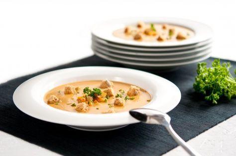 Lahodná krémová polévka z pečeného celeru | Apetitonline.cz