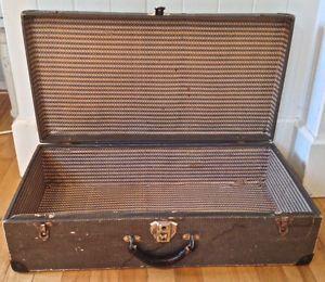 39 best images about valises antiques on pinterest. Black Bedroom Furniture Sets. Home Design Ideas