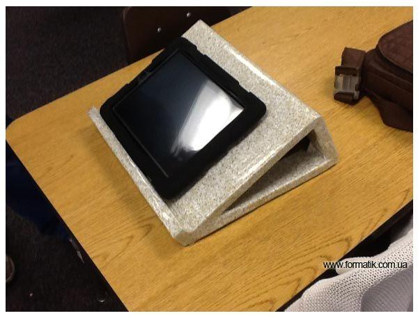 Подставка под планшет сделанная своими руками