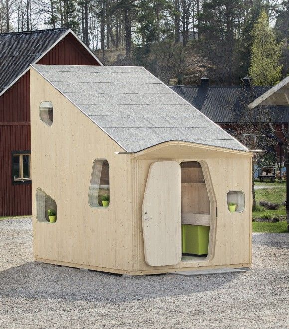 Si chiama Smart Student Unit ed è stata progettata dallo studio di  architetti  Tengbom , in collaborazione con l'Università di Lund, nel sud  della Svezia. Una casetta ecocompatibile di dieci metri quadrati,  completamente in legno e dotata di angolo cottura con mensole, bagno,