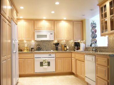 What Color Granite Countertops Go With Light Maple Cabinets? Whitewash ...