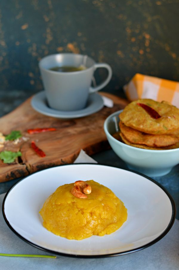 Mango sooji halwa a.k.a rava sheera/kesari is an Indian dessert, very easy and simple to make. And so delicious! Perfect to make for festivals like Diwali, Navratri, Ashtami etc. Ready under 30 minutes, and can easily be made vegan.