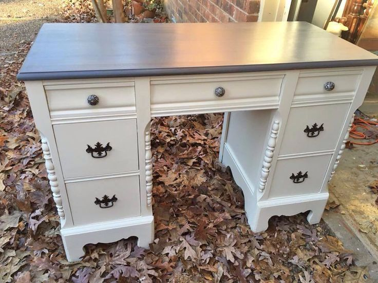"""Susan of Robin's Nest Renewal refinished the base of this charming desk using GF's Antique White Milk Paint and the top using GF's Gray Gel Stain. """"The gray stain turned out just great!"""""""