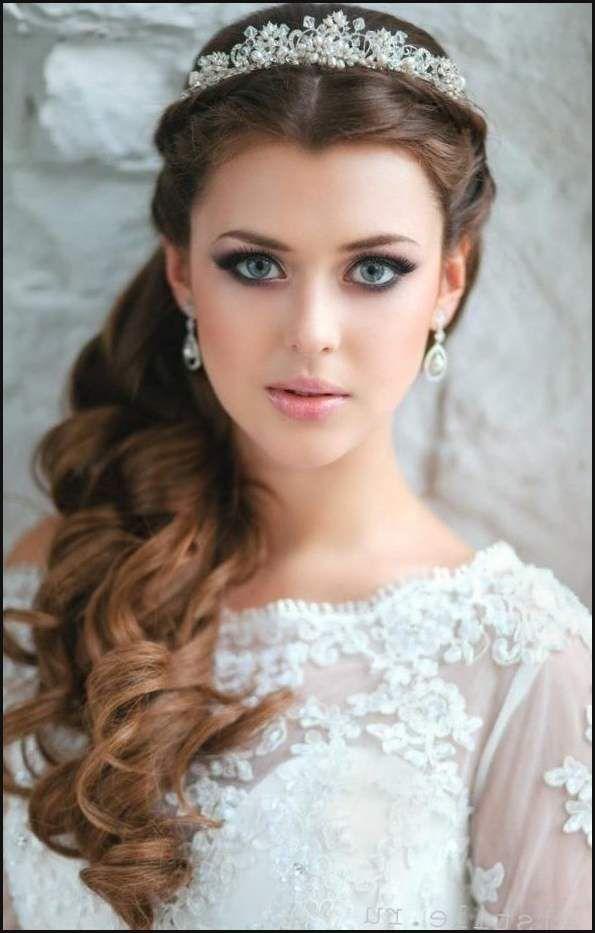 Hochzeitsfrisur Mit Krone Http Stylehaare Info 430 Einfache Frisuren Quinceanera Hairstyles Hair Styles Quince Hairstyles