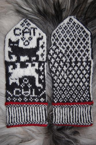 Ravelry: Cat Narcissusa Mittens pattern by Connie H Design