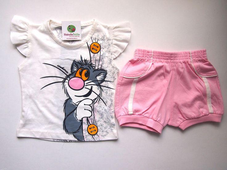 Cui nu-i place motanul Tommy? Cele mai simpatic personaj acum si pe compleu de vara pentru fetite 1-2 ani! Pret: 35.00 lei http://hainute-fetite.ro/produs/compleu-tommy-the-cat/