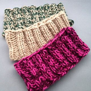 """Easy Headband (Ear warmers)Worsted Weight Yarn (Hold two strands of yarn together throughout) One 16"""", size 8 5.0 mm circular needle Cast on 60 stitches join in the round (Hold two strands of yarn together throughout) Row 1 : Knit 2, Purl 2 across the row Repeat row 1 until Headband is 3 ¼ inch wide Bind off loosely in the knit 2 and purl 2 pattern"""