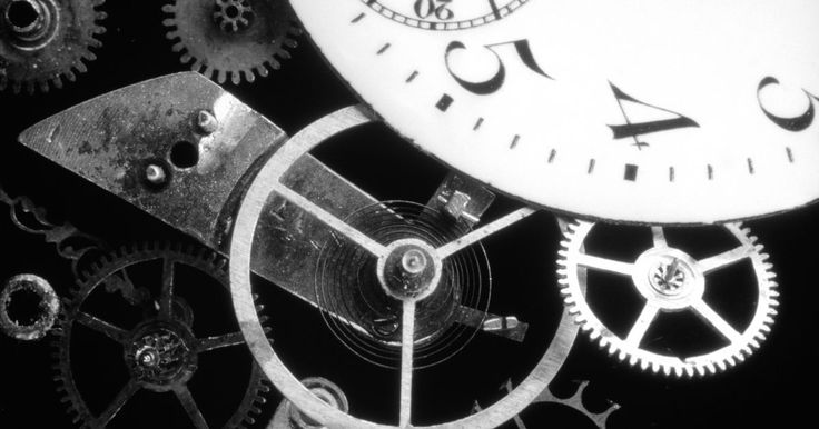 ¿Cúales son las partes de un reloj mecánico?. El reloj mecánico se define como un dispositivo con partes en movimiento. Éste fue el primer reloj completamente autosuficiente, a diferencia de los relojes de agua, los relojes solares y las gafas de reloj incorporado. Los relojes mecánicos aún siguen siendo muy comunes y se pueden obtener en diferentes clases, tales como los relojes de péndulo y ...