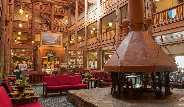 Many Glacier Hotel (Many Glacier Valley)