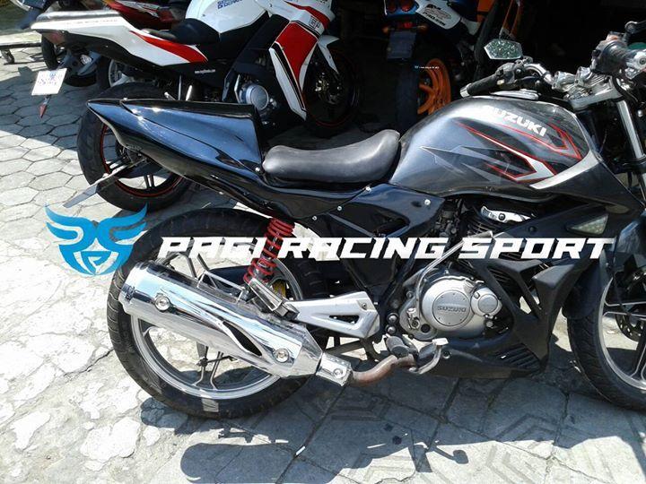 Body Belakang Custom Suzuki Thunder  sudah termasuk - body belakang - double jok - undertail - lampu stop n sein  Info Pemesanan : SMS/Call/ WhatsApp: 082144606244 Pin BBM : 7CE145B2 Instagram : pagiracingsport
