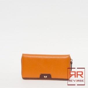PORTAFOGLIO DONNA LA MARTINA COLLEZIONE P/E 2013 - 139,00€  Portafoglio in pelle. Chiusura zip. Una tasca interna zip, multi tasche per carte di credito.  Larghezza: 20 cm Altezza: 11 cm Spessore: 3 cm