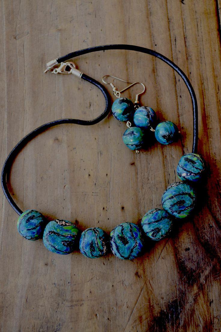 conjunto. earrings and necklace polymer clay. aros y collar color clay.