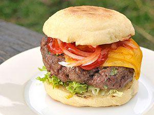 Klasický hovězí burger — Kluci v akci — Česká televize