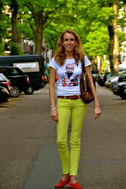 One more fashion blogger chooses Manymal! Thanks a lot to Julye!  This style is available on www.manymaltshirt.com  http://www.julesfashionweek.com/2013/08/manymal-t-shirt-amsterdam.html