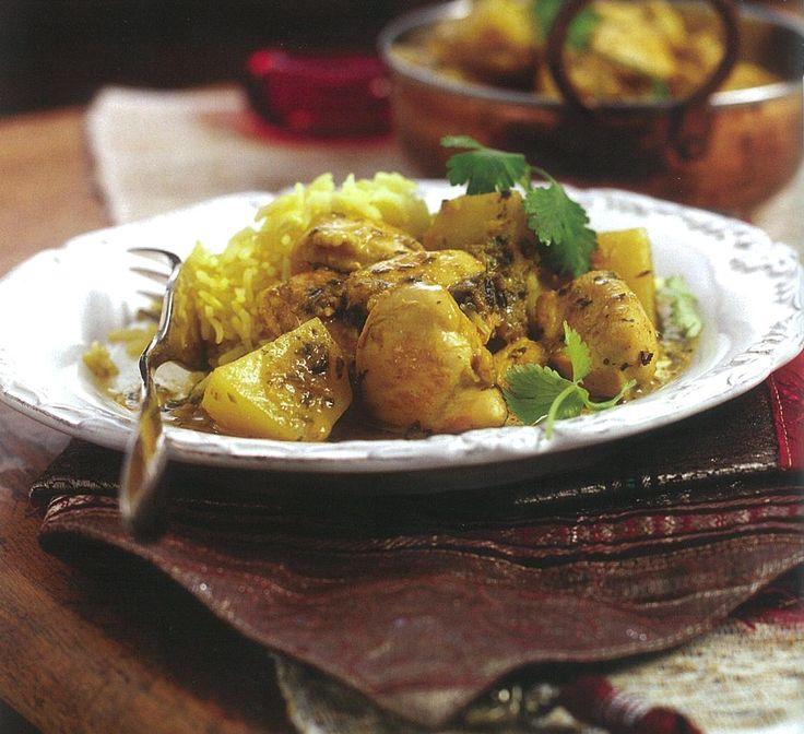 Os sabores do limão, do gengibre e dos coentros sobressaem neste caril de frango