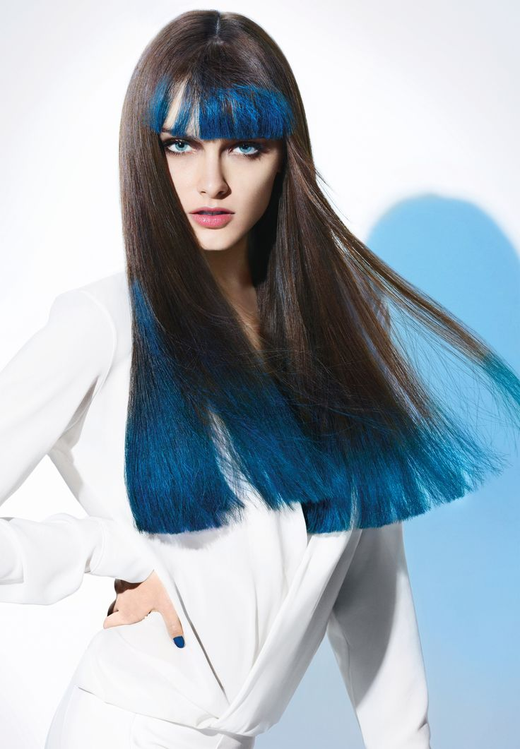 Look French Manucure. Une frange et des longueurs vernies pour un brushing encore plus sexy. HAIRCHALK le 1er make-up cheveux de L'Oréal Professionnel. #HAIRCHALK par L'Oréal Professionnel.